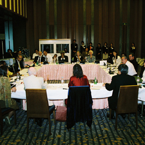 03-wwc-member-meeting.jpg